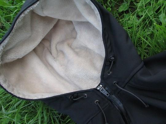 Schwarzer Softshell